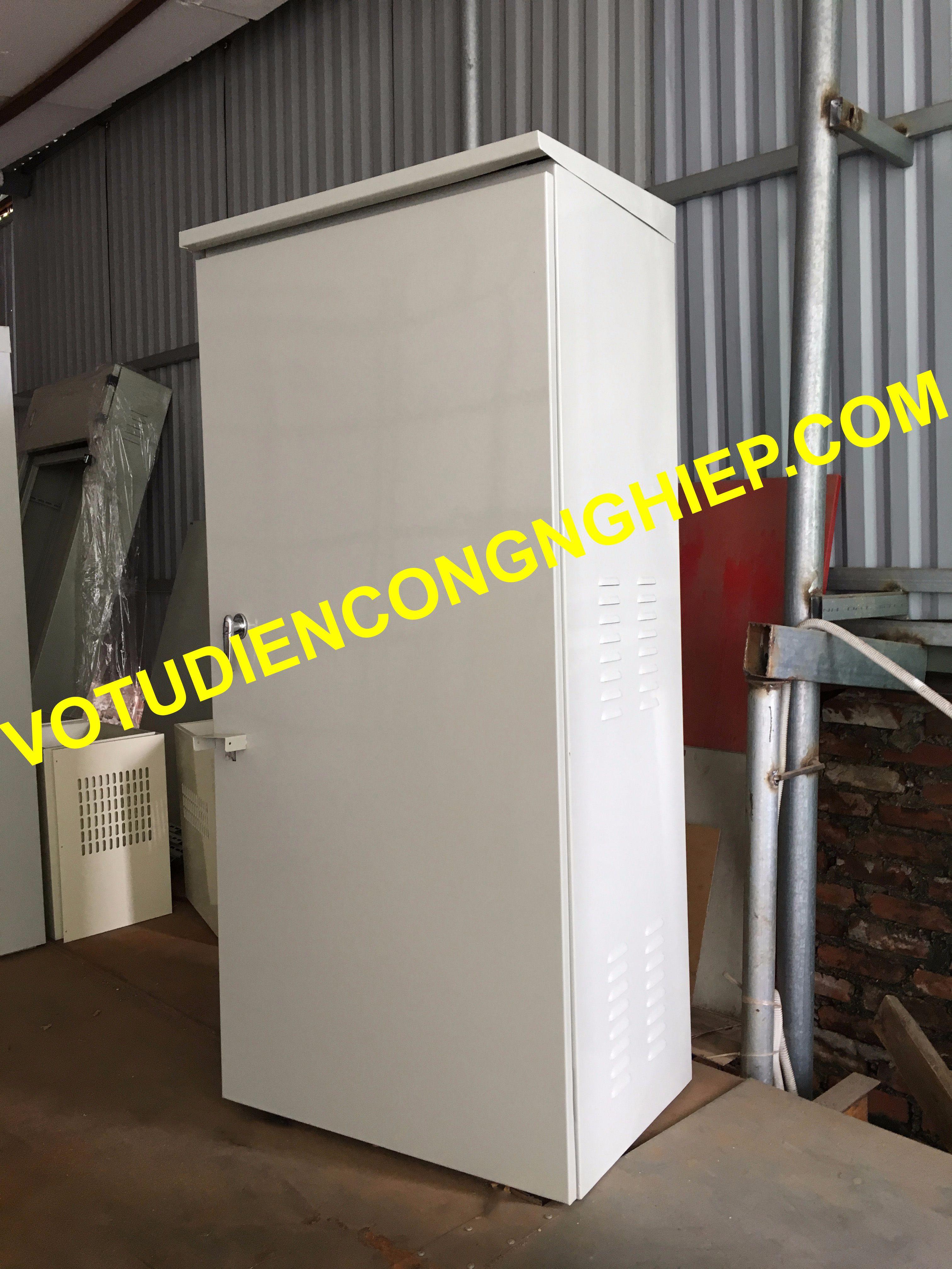 Cơ điện Delta gai công vỏ tủ điện composite chất lượng