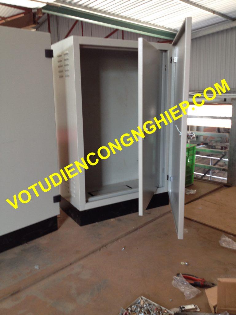 vỏ tủ điện 2 lớp cánh
