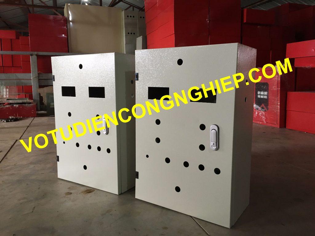 Vỏ tủ điện trong nhà của Cơ điện Delta sử dụng an toàn, bảo vệ tối đa