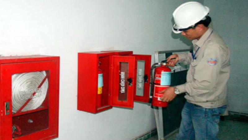 tủ chữa cháy vách tường